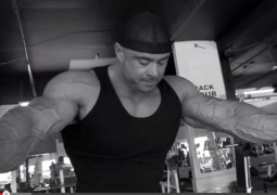Frank McGrath im World Gym – Trainingsvideo