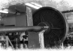 Bankdrücken: Brusttraining Tipps + Trainingsplan
