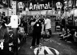 The Cage – der Animal Mythos auf der Arnold Expo