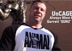 "UnCAGED Video – Garrett ""GUNZ"" Griffin zum Brusttraining"