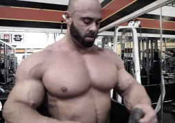 "Frank McGrath – ""On The Map"" – Video aus dem Golds Gym in Venice"