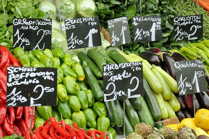 Basische Lebensmittel wie grünes Gemüse